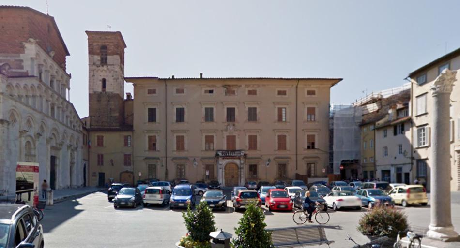 Piazza Santa Maria Bianca. Immagine copertina