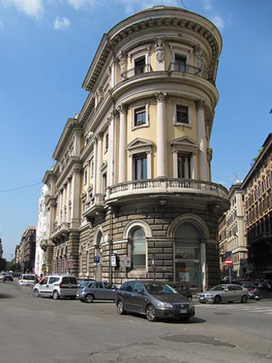 Immagine del palazzo di proprietà Inail a Roma, al n. 35 di piazza Cavour.