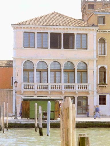 Palazzo Foscari Contarini, Venezia. Immagine del fronte principale sul canale.