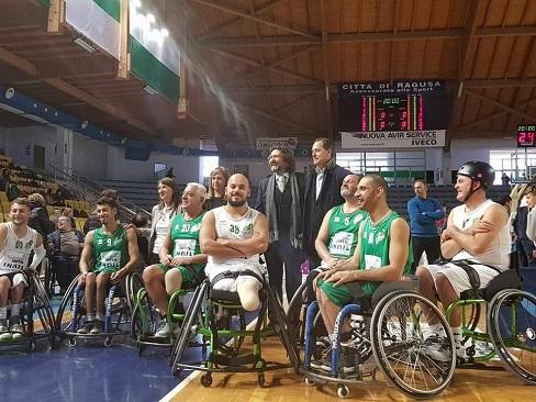Immagine squadra di basket in carrozzina Ragusa