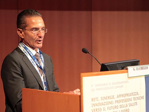 Il direttore generale dell'Inail, Giuseppe Lucibello, durante il suo intervento al seminario di Genova