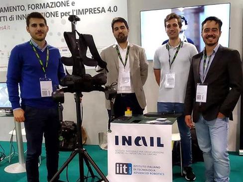 L'esoscheletro sviluppato da Inail e IIT nello stand di Artes 4.0 alla fiera SPS IPC Drives di Parma