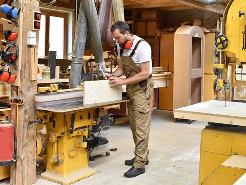 Bando Isi 2017, per le micro e piccole imprese del legno e della ceramica stanziati 10 milioni di euro
