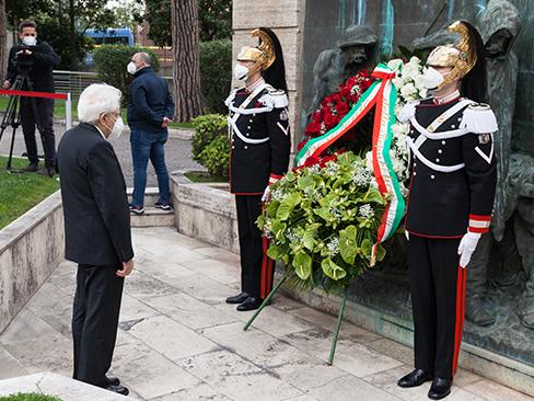 Primo maggio, il presidente Mattarella all'Inail per rendere omaggio ai caduti sul lavoro