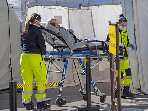 Coronavirus, i contagi di medici, infermieri e operatori delle strutture sanitarie tutelati come infortuni sul lavoro