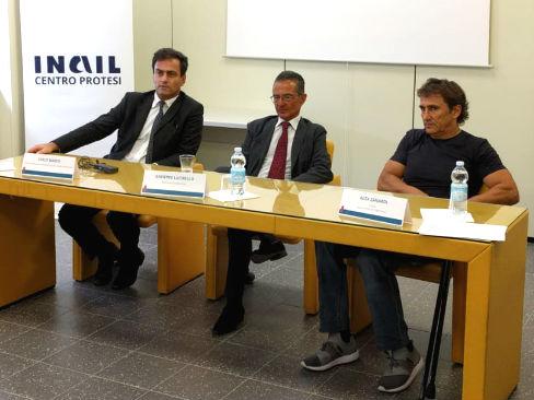 """Sport e reinserimento sociale, Alex Zanardi e l'Inail lanciano il progetto """"Handbike Kneeler"""""""