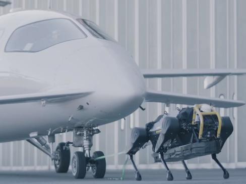 L'Inail nel progetto del robot teleoperativo che può trainare un aereo di oltre tre tonnellate