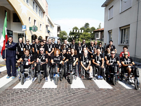 Atleti paralimpici gara ciclistica (.jpg - 108 kb)