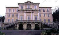 Villa Giovio a Breccia di Como. Immagine del prospetto principale.
